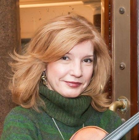 A photo of violinist Galina Stamenova who will perform for Concerts for Craswall on October 10th 2020